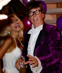 birthday_party_anka_austin_powers