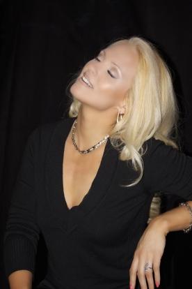 Jacqueline Jax In The Studio Adagio_3