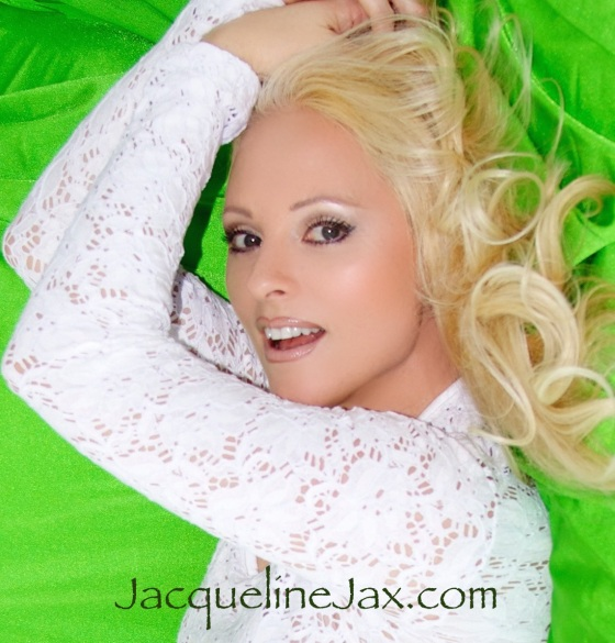 JacquelineJax All About the bass
