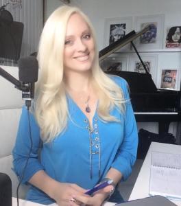 Jacqueline Jax Jax Periscope music marketing