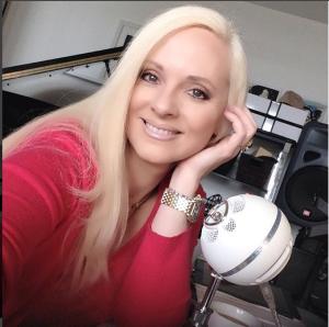 Jacqueline Jax ava live radio