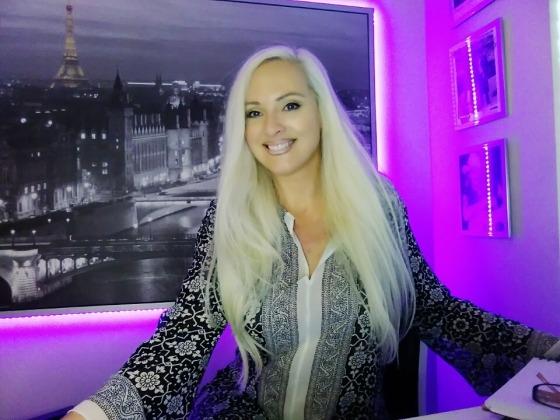 jacqueline Jax vlog 1